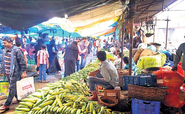 Vegetable Prices Hikes in Hyderabad - Sakshi
