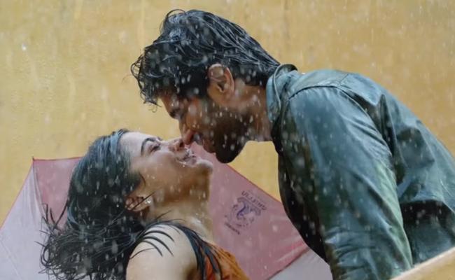 Second Single From Vijay Deavrakonda And Rashmika Mandanna Dear Comrade - Sakshi