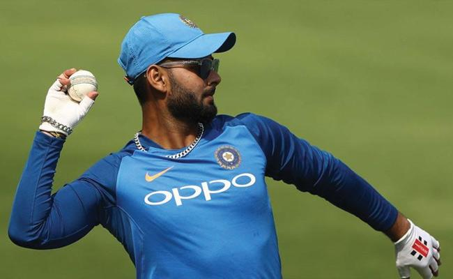 Ganguly Says Kohli Gang Will Miss Pant In World Cup - Sakshi