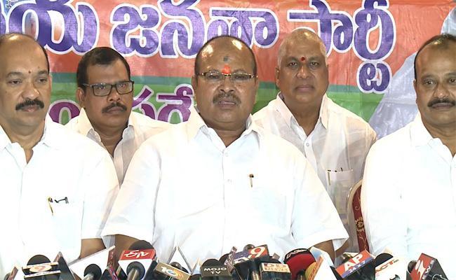 BJP AP President Kanna Laxmi Narayana Slams Mamatha Benarjee And Chandrababu Naidu In Vijayawada - Sakshi