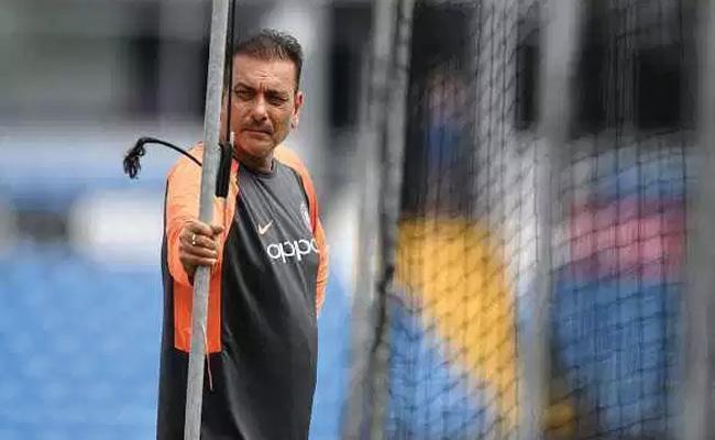 Ravi Shastri Opens Up no 4 Batsman For World Cup - Sakshi