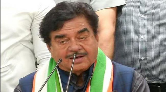 Shatrughan Sinha Said Advaniji Was In Tears Did Not Stop Me From Leaving - Sakshi