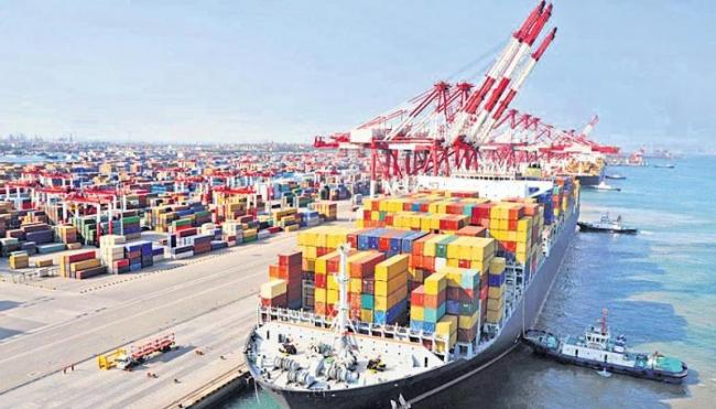 April trade deficit at USD 15.33 bn - Sakshi
