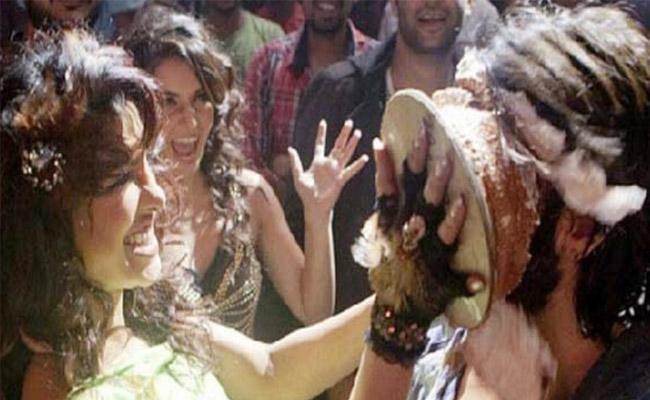 Surat Police Bans Smearing Cake On Face In Public If Violate Get Arrested - Sakshi
