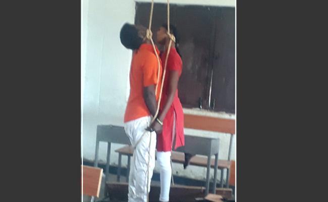 Lovers Suicide In Siddipet - Sakshi