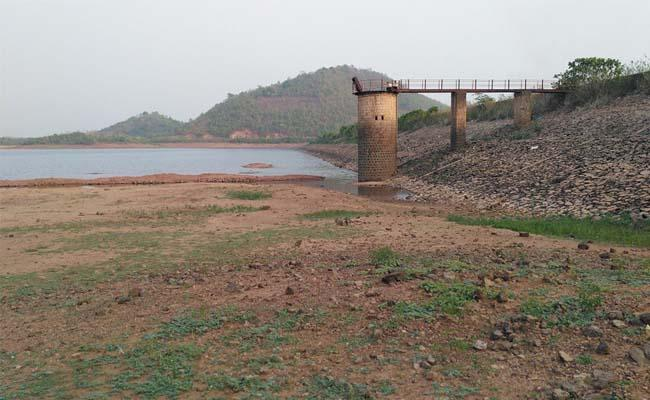 The Jalaru Reservoir Dropped Below The Minimum Level Of Water Level - Sakshi
