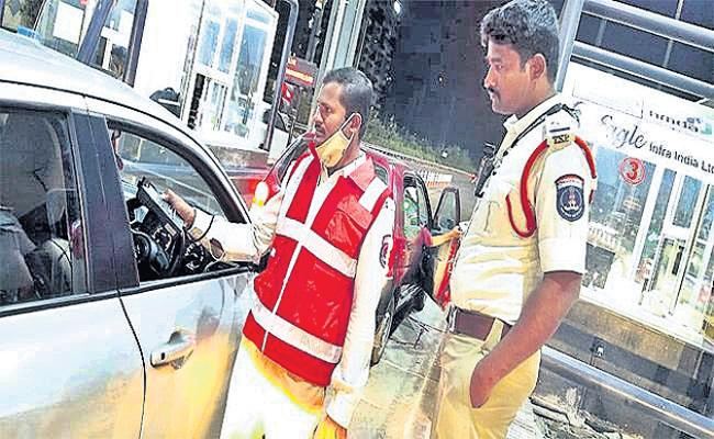Drunk And Drive Tests on ORR Hyderabad - Sakshi