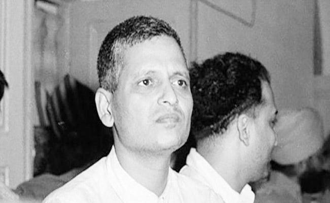 Judge Writes Nathuram Godse Was Nervous While Death Sentence - Sakshi