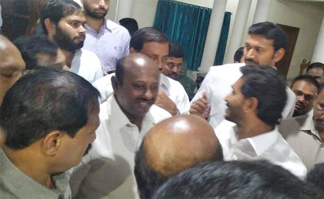 Ex M.P son met Y.S.Jagan - Sakshi