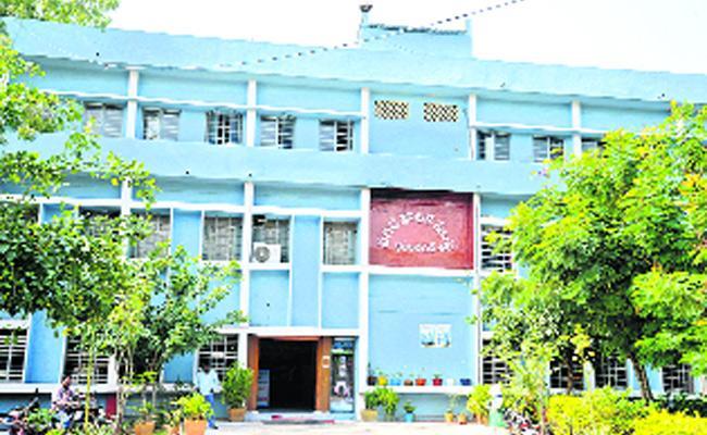 Telangana Municipal Election Arrangements Karimnagar - Sakshi