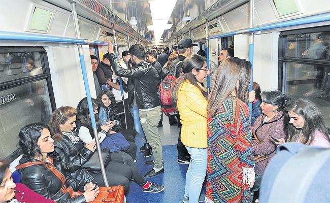 People Prefer Metro journey in Summer - Sakshi