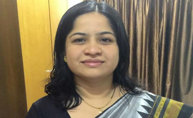 Karnataka Congress Leader Reshma Padeknur Found Dead - Sakshi