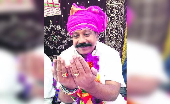 Adoni Mla Prays Alla For Jagan  - Sakshi