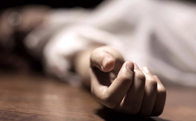 Woman Suspicious Death In Hyderabad - Sakshi