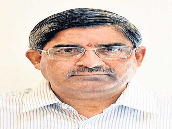 LV Subramanyam Comments On Chadragiri Repolling - Sakshi