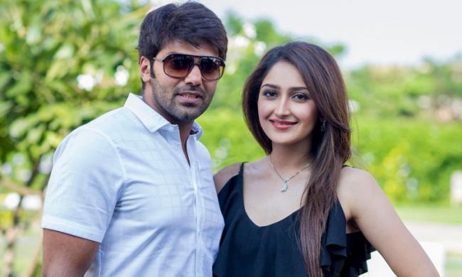 Sayesha Saigal Praises Husband Actor Arya - Sakshi