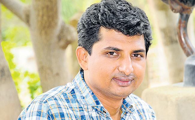 Attendance, fees, all by app says Sheshananda Reddy - Sakshi