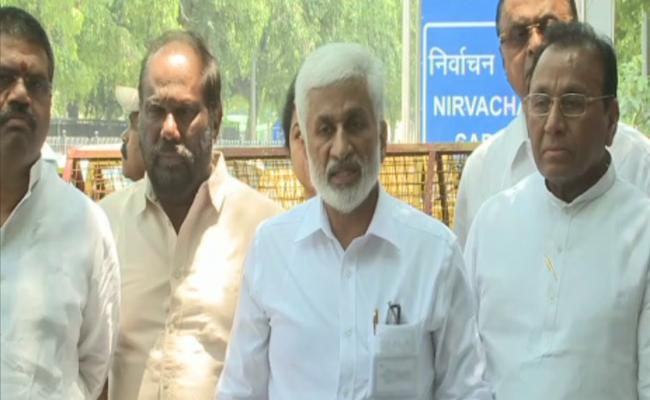 ysrcp leaders meets CEC, urges to ensure free and fair counting - Sakshi