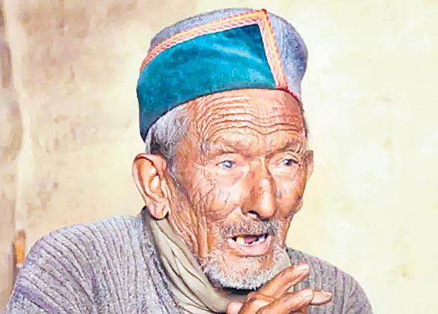Red carpet rolled out for 103-year-old Shyam Saran Negi at Himachal pradesh - Sakshi