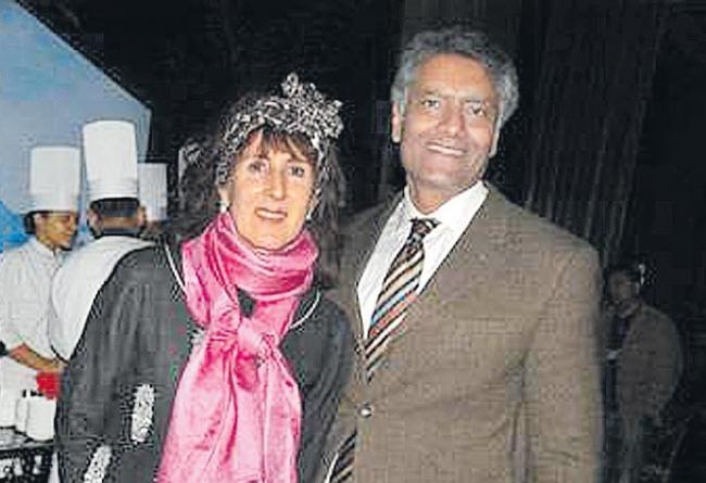 Congress candidate Sunil Kumar Jakhar declares Rs 7 cr deposits in Swiss bank - Sakshi