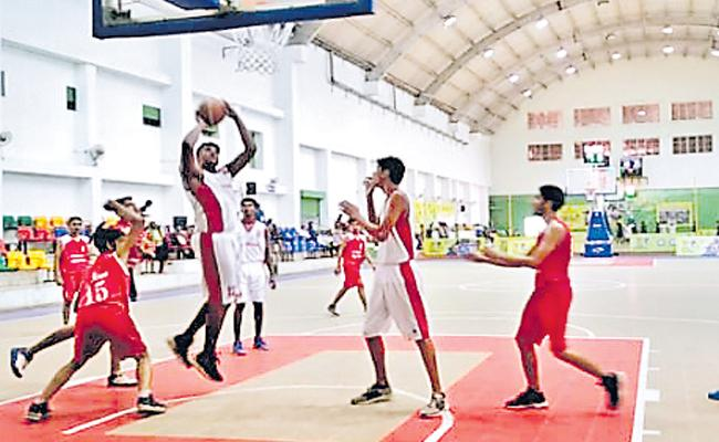 Telangana Teams Disappointed in Basketball Tourney - Sakshi