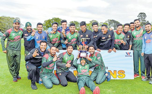 Mosaddek powers Bangladesh to historic tri-series win - Sakshi