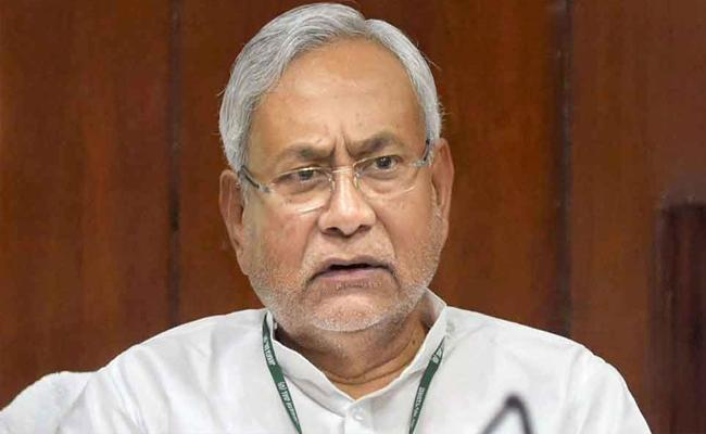 Nitish Kumar Suggests EC To Reduce Duration Of Poll - Sakshi