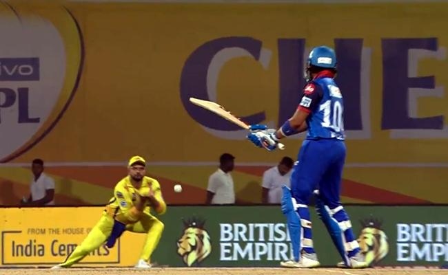 Suresh Raina becomes first fielder to take 100 IPL catches - Sakshi