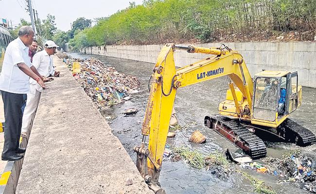 Drainage Cleaning Cleaning Starts in Hyderabad - Sakshi