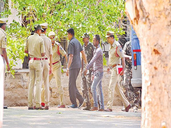 Srinivas Reddy To Warangal jail - Sakshi