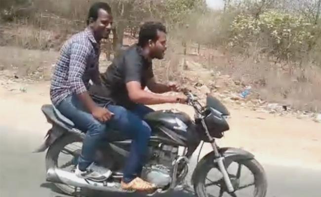 Serial Killer Srinivas Reddy Bike Riding Video Viral - Sakshi
