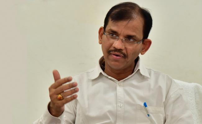 AP CEO Dwivedi Directs Official on Counting of Votes  - Sakshi