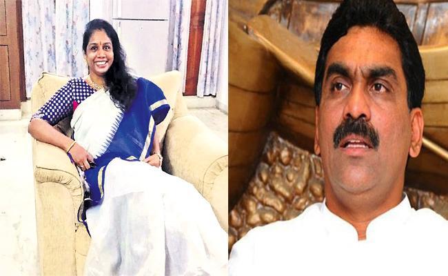 YSRCP Leader Shailaja Reddy Fired on Lagadapati Survey - Sakshi
