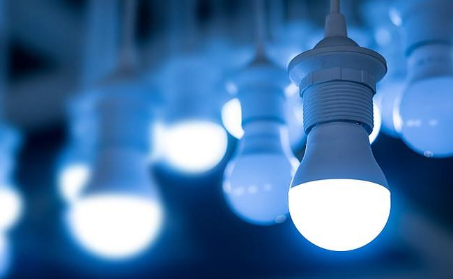 LED Bulbs Causes Retinal Damage Says Study - Sakshi