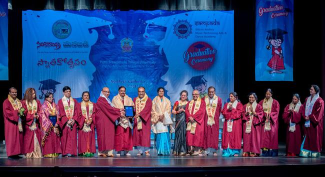 ManaBadi Graduation ceremonial held in US - Sakshi