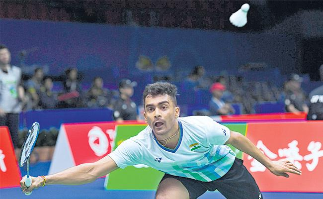 Badminton: India lose to Malaysia 2-3 - Sakshi