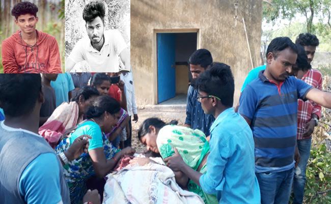 Close Friend Died In Road Accident Khammam - Sakshi