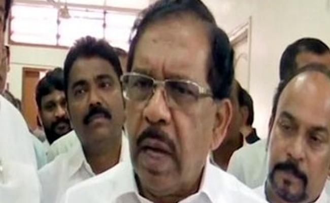 Roshan Baig Comments On Congress Leaders - Sakshi