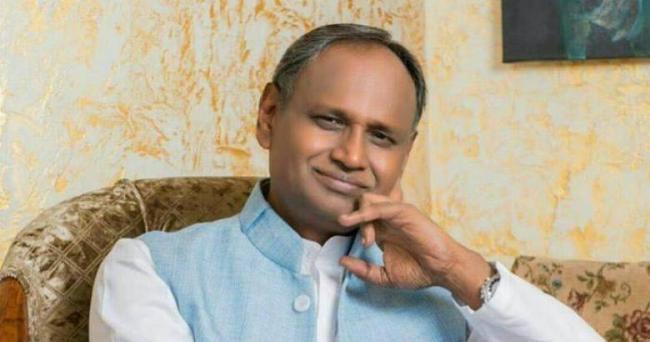 Udit Raj Shocking Comments On EVM VVPAT Row - Sakshi