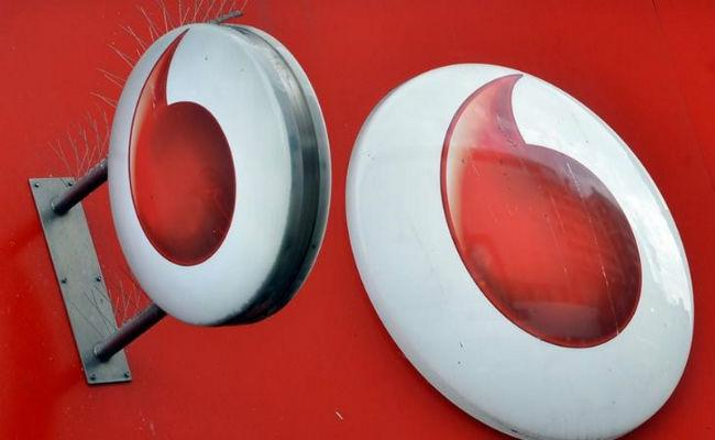 Vodafone vs Airtel vs Jio Top prepaid plans with 365 days validity - Sakshi
