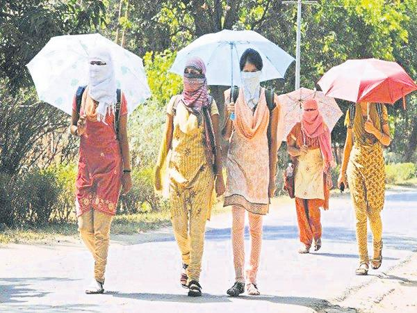 Temperatures up to 46 degrees Celsius will be in Rayalaseema - Sakshi