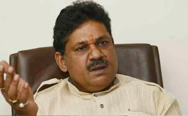 Kirti Azad Loses To PN Singh in Dhanbad Lok Sabha - Sakshi