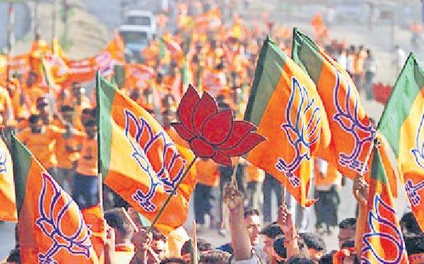 Narendra Modi faces big challenges after victory - Sakshi