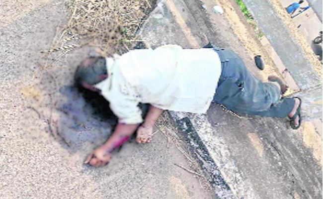 Man Killed In Road Accident In Orissa - Sakshi