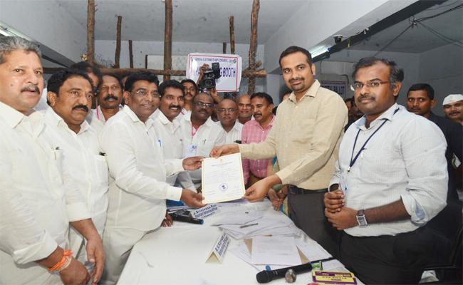 TRS Leader Nama Nageswar Rao Won in Khammam - Sakshi