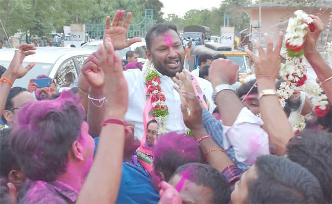 TRS Win in Warangal - Sakshi