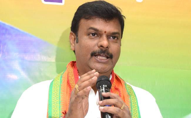 BJP MLC Madhav Slams Chandrababu Naidu Govt Over Failure - Sakshi