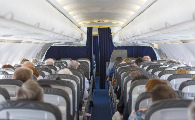 Man Smokes Cigarette on Spirit Airlines Flight to Minneapolis Video Goes Viral - Sakshi