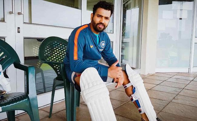 World Cup 2019 Rohit Sharma Takes On Steady Hand Challenge - Sakshi