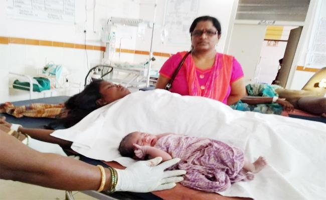 Couple Fear on Family Planning Operation - Sakshi